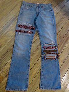 Levi Bootcut 515 Jeans by SassyDodyBoutique on Etsy