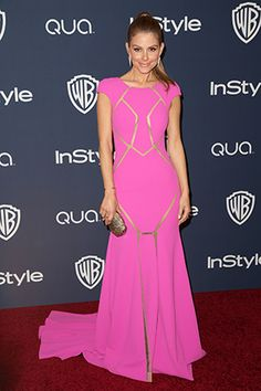 Maria Menounos' cutout pink gown at the Golden Globes