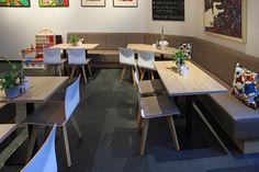 Stuhlfabrik Schnieder: Café Bistro Langenfeld. Produktinfos Schalenstuhl Anne: http://www.schnieder.com/produkte/stuehle/stuhl/stuhl-anne-11768.html
