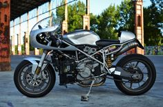 Ducati 999 Sport Classic Cafe Racer - IaMoto Factory #motorcycles #caferacer #motos | caferacerpasion.com