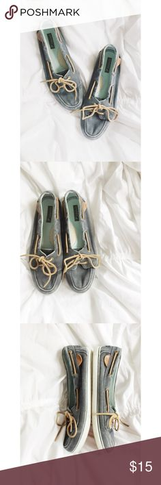 🎀Host Pick🎀Sperry Top-Sider Boat Shoes Sperry Top-Sider Boat Shoes.  Women's 10M.  Good used condition.  Blue navy canvas material.  True to size.  No box. 🎀Host Pick Style Crush Party 10/20/16 Sperry Top-Sider Shoes Flats & Loafers