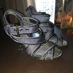 Zara Sandals Blue and black 3 inch scrappy shoe!! Used shoe priced to go!! Zara Shoes Sandals