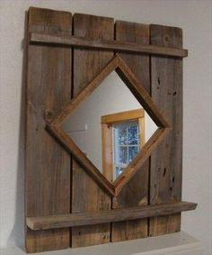 Amazing DIY Pallet Mirror Frame – The Best Ideas For The Wood Pallets Mirror Frame # Range furniture Source by palettedecom Barn Board Projects, Diy Wood Projects, Fence Board Crafts, House Projects, Pallet Mirror Frame, Wood Mirror, Pallet Wall Shelves, Mirror Mirror, Palette Diy