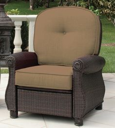 Amazon.com : Breckenridge Patio Recliner (Sand) by La-Z-Boy Outdoor : Patio, Lawn & Garden