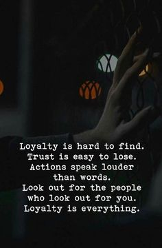 Positive Quotes : QUOTATION – Image : Quotes Of the day – Description Loyalty is hard to find. Trust is easy to lose. Sharing is Power – Don't forget to share this quote ! Quotes To Live By, Me Quotes, Motivational Quotes, Inspirational Quotes, Real People Quotes, Loyal Quotes, Fake People, Sister Quotes, Daughter Quotes