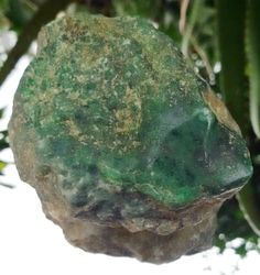 Maw Sit Sit Chromium Jadeite Rough Approx. 200 grams 70x47x36mm#MRPO112 #Siamgems1969com