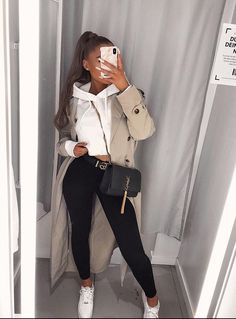 Watch and command live girls for free on FreeBestCams . Cute Comfy Outfits, Simple Outfits, Classy Outfits, Stylish Outfits, Casual Bar Outfits, Winter Fashion Outfits, Spring Outfits, Looks Style, Mode Inspiration