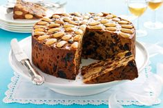 The magic of this delicious cake is not only the four fruits and three different spices, it's also that you can freeze it 6 months ahead of Christmas.