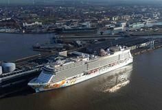 Norwegian Getaway arrives in Bremerhaven! #UltimateGetaway  http://www.atlastravelweb.com/Cruises/norwegian/Ships/getaway.html