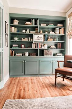 Home Living, Living Room Decor, Bedroom Decor, Wall Decor, Master Bedroom, Decor Room, Beach Cottage Style, Cottage Style Homes, Painted Built Ins