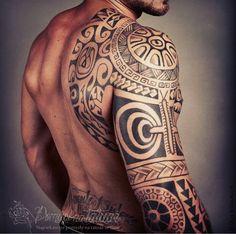 Maori - ramię ogromny monumentalny tatuaż! - Pomysł na tatuaż