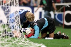 Football can be an incredibly touching game at times. One of the finest goalkeepers of his generations consoling Canizares after Valencia lost the Champions League final to Bayern Munich.