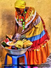 Panoramio - Photo of Palenquera vendiendo fruta fresca. (((Jose Daniel)))