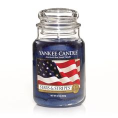 Stars & Stripes™: Yankee Candle: An American classic . . . the warm, welcome home scent of spicy cinnamon and sweet potpourri.