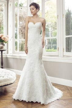 Simplicity immortalized, ADELE by Mia Solano captures the very essence of the classic wedding gown and strips it back to achieve unrivalled modern sleekness