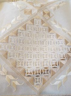 Christmas Embroidery Patterns, Embroidery Patterns Free, Embroidery Designs, Pattern Design, Free Pattern, Drawn Thread, Hardanger Embroidery, Bargello, Cutwork