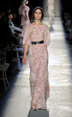 Chanel - Chanel - París - Mujer - Alta Costura Otoño Invierno 2012-2013 - Pasarelas, desfiles, diseñadores, videos, calendarios, fotos y backstage - Lo último en tendencias, glamour y celebrities - ELLE.ES