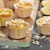 Recept : Lehké jablečné košíčky | ReceptyOnLine.cz - kuchařka, recepty a inspirace Cupcakes, Cookies, Breakfast, Apples, Fit, Recipes, Crack Crackers, Morning Coffee, Cupcake Cakes