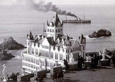 The Cliff House San Francisco - Built in 1896 burned down in 1907 - President Theodore Roosevelt was given a luncheon here in This photo was taken from the parapet (bluff above the Cliff House) in Sutro Heights Park. Cliff House San Francisco, San Francisco Bay, San Francisco California, Saint Leu, Le Far West, Abandoned Places, Historical Photos, Old Photos, Vintage Photos