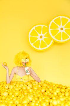 My favorite color: Yellow Shotting Photo, Diy Backdrop, Photocollage, Yellow Submarine, Monochrom, Mellow Yellow, Color Yellow, Shades Of Yellow, Lemon Yellow