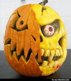 These unconventional pumpkin carving designs will ensure you have the spookiest Halloween ever. These unconventional pumpkin carving designs will ensure you have the spookiest Halloween ever. Unique Pumpkin Carving Ideas, Awesome Pumpkin Carvings, Halloween Pumpkin Carving Stencils, Pumpkin Carving Contest, Pumkin Carving, Pumpkin Carving Patterns, Pumpkin Painting, Humour Halloween, Scary Halloween Pumpkins