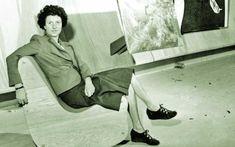 """Constantin Brâncuşi, zeul ţăran.Rockefeller: """"Cum pot să te ajut?"""" Brâncuşi: """"Ia şi mătură atelierul!"""" Gypsy Rose Lee, Louise Nevelson, Jean Arp, Peggy Guggenheim, Max Ernst, Magritte, Andre Breton, Constantin Brancusi, Amedeo Modigliani"""