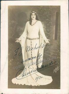 Muzio, Claudia - Signed photo as Leonora
