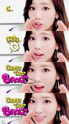 태래탱과 소녀들 :: SHAKE THAT BRASS Music Video 태연 캡쳐 (+효연)
