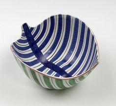 Skål - Fajans - Stig Lindberg - Gustavsberg på Tradera.com - Stig Funky Design, Nordic Design, Stig Lindberg, Ceramic Design, Vintage Pottery, Porcelain Ceramics, Textile Design, Decorative Bowls, Scandinavian