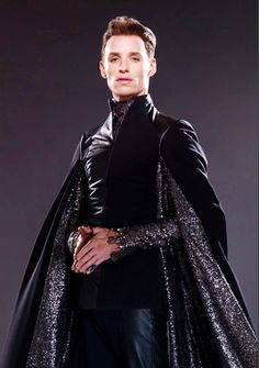 Costumes - Balem Abrasax (Eddie Redmayne) - Jupiter Ascending – Official Look Book Eddie Redmayne, Channing Tatum, Jupiter Ascending, Maleficarum, Mila Kunis, Fantasy Costumes, Movie Costumes, Costume Design, Designer