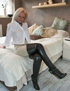Stiefel oma in stiefel nutte leder high heels mature