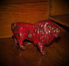 Original 1910 -1920 Antique Vtg Hubley Red Lion Cast Iron Toy Still Penny Bank