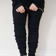 PITKÄT PALMIKKOSUKAT - OHJE Cable Knit Socks, Knitting Socks, Leg Warmers, Black Jeans, Legs, Pants, Drink, Food, Fashion