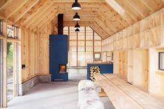 Koreo and Kolab Arkitekter restored an old boathouse into Naust V summerhouse