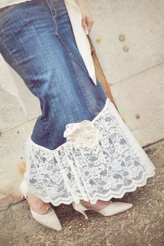 long denim and lace skirt Lace Jeans, Denim And Lace, Long Skirt Outfits, Cute Outfits, Modest Outfits, Summer Outfits, Do It Yourself Jeans, Denim Party, How To Make Skirt