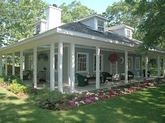 love this house and the veranda
