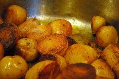 Pan Roasted Paprika Potatoes by kaotichectickitchen #Potatoes #Paprika