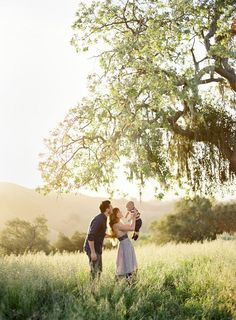 """The post Ideas For Wedding Photography Poses Family Kids"""" appeared first on Pink Unicorn photography Family Family Of 3, Family Kids, Family Photos With Baby, Young Family Photos, Baby Photos, Country Family Photos, Country Girls, Happy Family, Poses Photo"""
