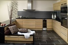 Kitchen Board plater til kjøkken. Kitchen Board, Kitchen Cabinets, Modern Wooden Kitchen, Kitchen, Kb Homes, Kitchen Room, Wooden Kitchen, Home Decor, Contemporary Kitchen