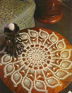 http://crochet101.blogspot.com/2013/08/crochet-napkin_29.html