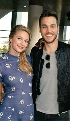 Melissa Benoist and Chris Wood at the Comic-con Warner Bros after party Chris Wood, Melissa Benoit, Supergirl Superman, Supergirl And Flash, Kara And Mon El, Melissa Supergirl, Melissa Marie Benoist, Netflix, Batwoman