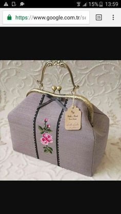 Unique Handbags, Embroidery Bags, Girls Life, Handmade Bags, Bag Making, Coin Purse, Decorative Boxes, Cross Stitch, Chokers