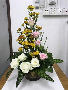 Church Flowers, Funeral Flowers, Love Flowers, Beautiful Flowers, Tropical Floral Arrangements, Funeral Flower Arrangements, Bouquets, Sympathy Flowers, Ikebana