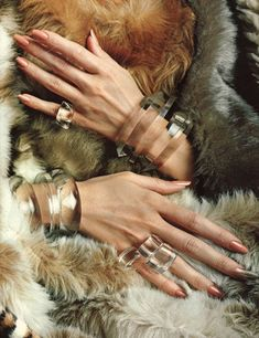 This transparent jewelry s/be in Bling, but it's so fab I had to put on my fur to go with it. Jewelry Accessories, Fashion Accessories, Fashion Jewelry, Jewelry Design, Nagellack Design, Arm Party, Schmuck Design, Furla, Bangles