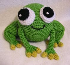 This is a crochet frog pattern:-) super cute:-) I need to learn how to crochet.......