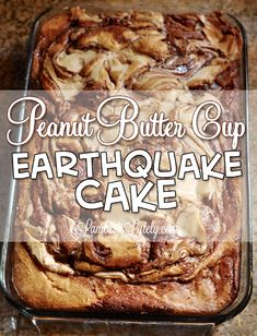 This recipe for Peanut Butter Cup Earthquake Cake is one of the most addictive things I've ever made! The chocolate and peanut butter frosting swirls make it so rich and decadent. This is a must-pin (Peanut Butter Chocolate Cake) Peanut Butter Frosting, Peanut Butter Desserts, Köstliche Desserts, Peanut Butter Cups, Delicious Desserts, Yummy Food, Peanut Recipes, Fast And Easy Desserts, Health Desserts