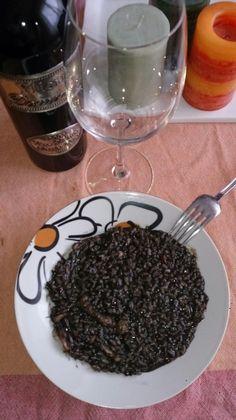 Arroz con calamares en su tinta para #Mycook http://www.mycook.es/receta/arroz-con-calamares-en-su-tinta-2/