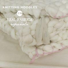 trim Por fin contamos en Real Fabrica con las mejores mantas del panorama artesanal español: @knittingnoodles !! Realizadas a mano y 100% lana de merino española http://realfabrica.com/ropa-de-casa