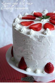 layers cake à la fraise et chantilly mascarpone d