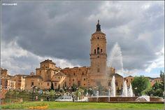 #Guadix(#Granada), a los pies de Sierra Nevada:http://bit.ly/SitiosdeEspana_Guadix…- Por:@1MundoFascinant #Spain